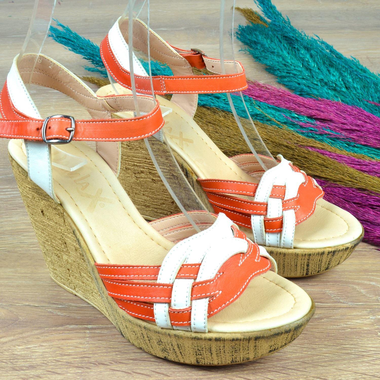 Dolgu Topuk Kadın Sandalet
