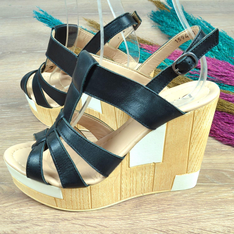 Siyah Dolgu Topuk Kadın Sandalet