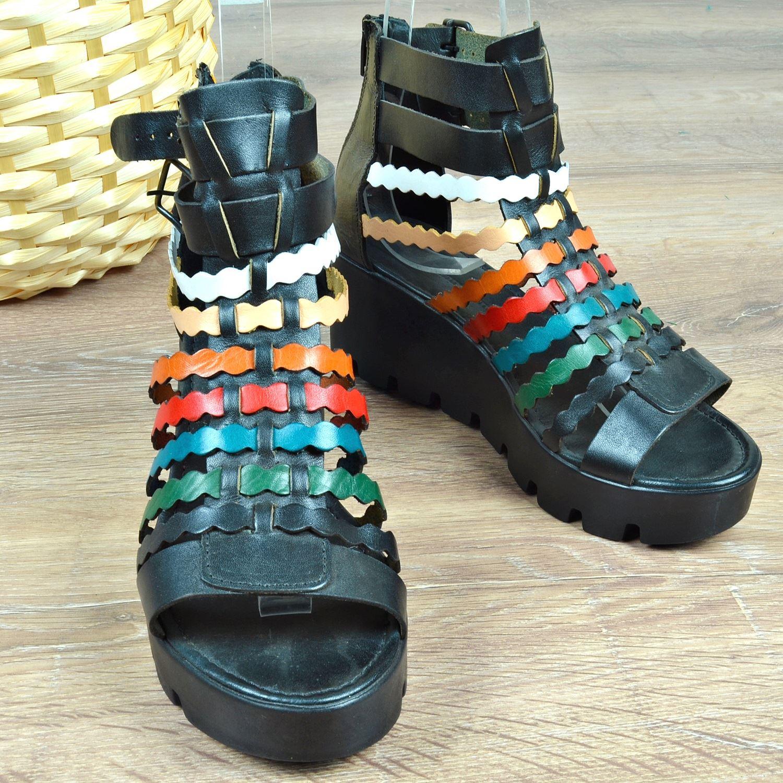 Siyah Dolgu Topuk Gladyatör Kadın Sandalet 1090