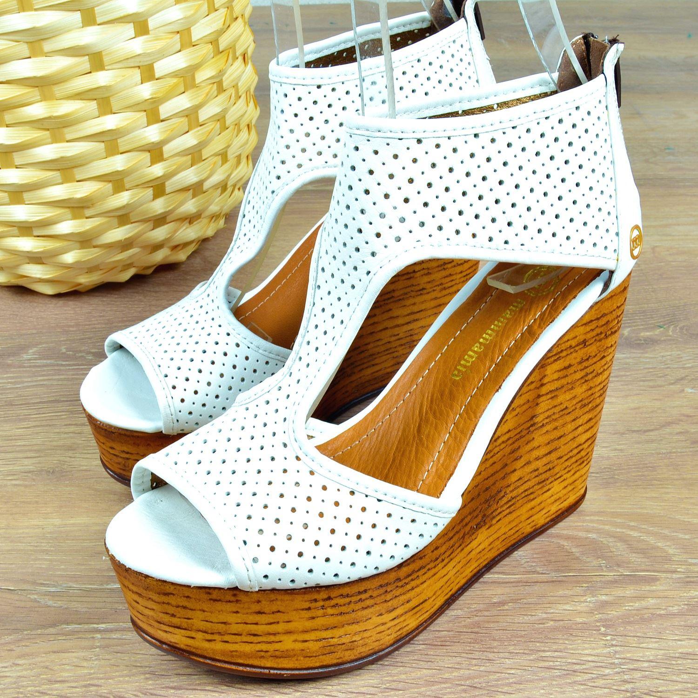 Beyaz Dolgu Topuk Kadın Sandalet 0335