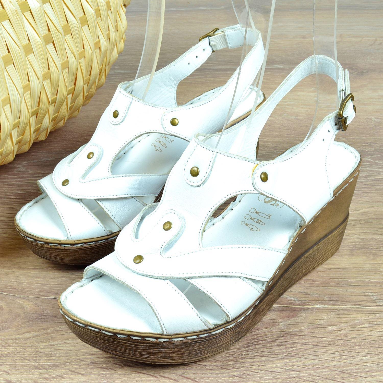 Beyaz Dolgu Topuk Kadın Sandalet 319104