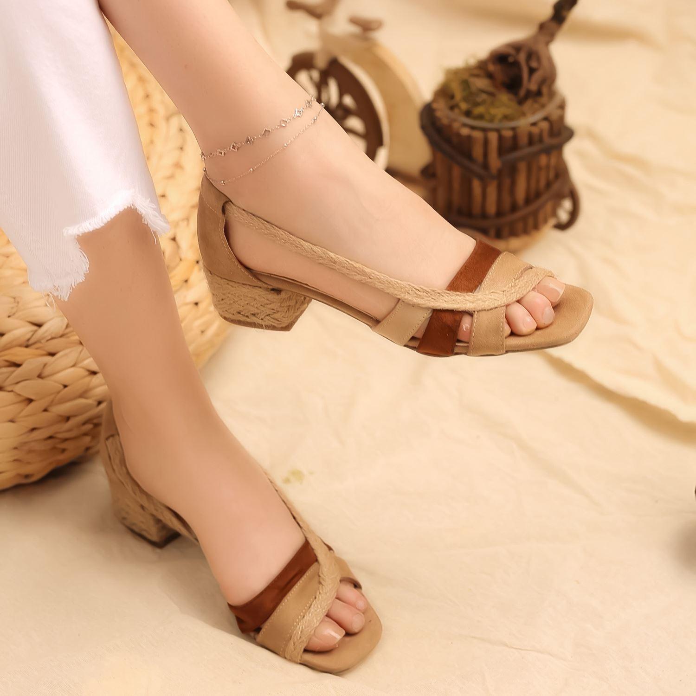 Kum Ten Taba Süet Hasırlı Alçak Topuklu Sandalet