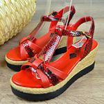 Kırmızı Baskılı Dolgu Topuk Kadın Sandalet 14071